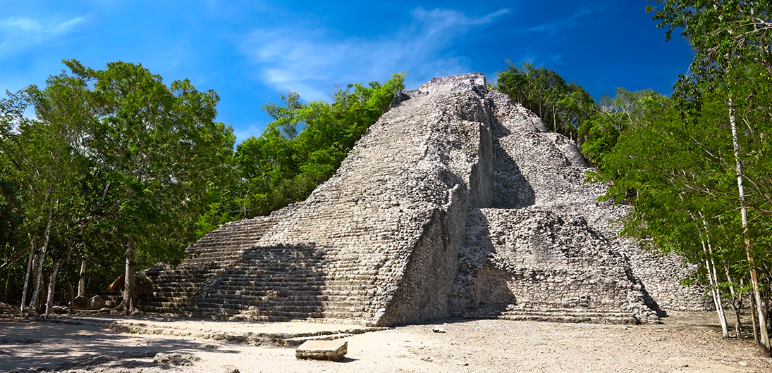 Ruinas de la Riviera Maya cerca de Tulum Luxury Collection